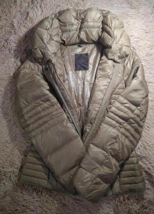 Продам короткий пуховик куртку s.oliver