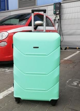 Стильный фирменный мятный чемодан в наличии все размеры