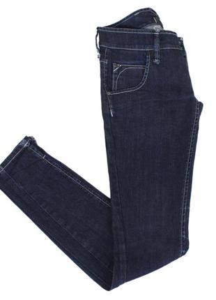 Облегающие джинсы с вышитыми карманами