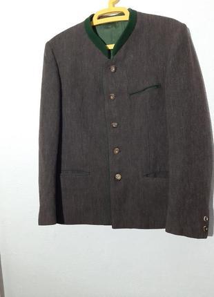 Плотный пиджак пуговицы под дерево