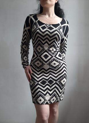 Платье геометрический принт текстиль по фигуре бренд apricot