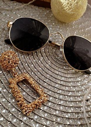 Черные очки, трендовые