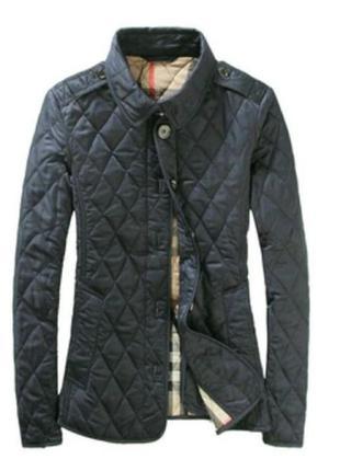 Красивая стеганая куртка размер l