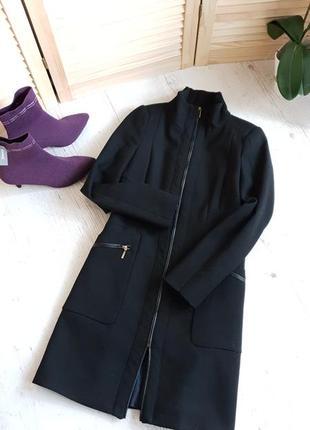 Чёрное класическое пальто zara.