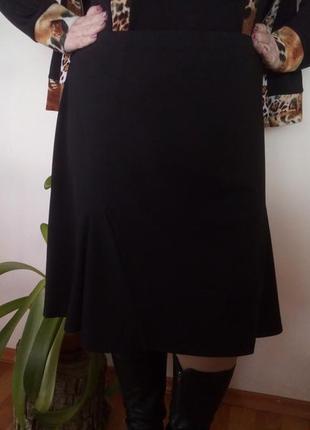 Юбка черная трапеция с клиньями трикотажная
