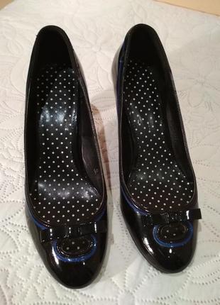 Туфли лодочки красивые лаковые туфельки туфли на удобном каблуке