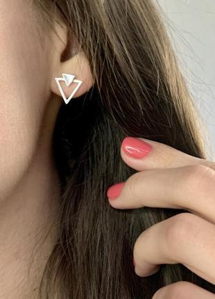 Серебряные сережки гвоздики треугольники