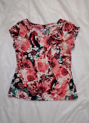 Красивая футболка принт цветочный