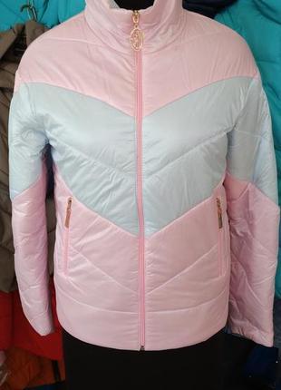 Невесомая,качественная курточка, размер 52