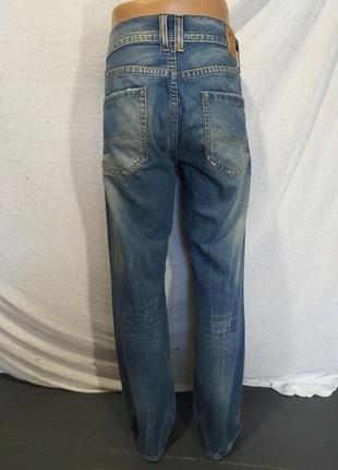 Оригинальные джинсы.