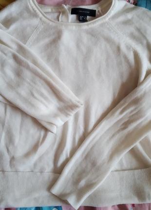 Белый базовый свитерок