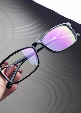 Имиджевые очки в черной глянцевой оправе
