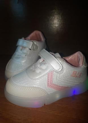 Кроссовки,кеды с led подсветкой для девочки4 фото