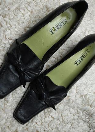 Туфельки кожаные