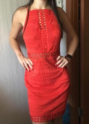 Яркое шикарное платье topshop