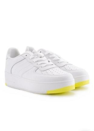 Стильные белые кроссовки на платформе толстой подошве кроссы модные красивые криперы