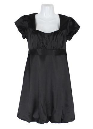 Атласное черное платье-баллон