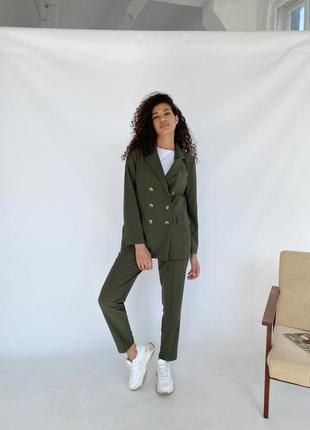 Очень стильный женский костюм из тиара хлопка +вискоза! брюки и жакет двубортный цвет хаки