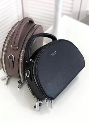 Стильна чорна сумочка