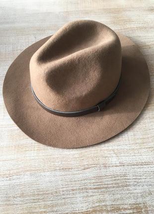 Стильная шерстяная шляпа с широкими полями бежевая шляпа h&m