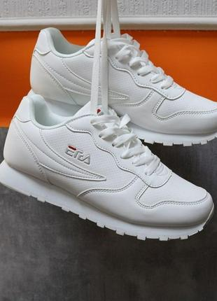 Крутые белые кроссовки экокожа, весенние,
