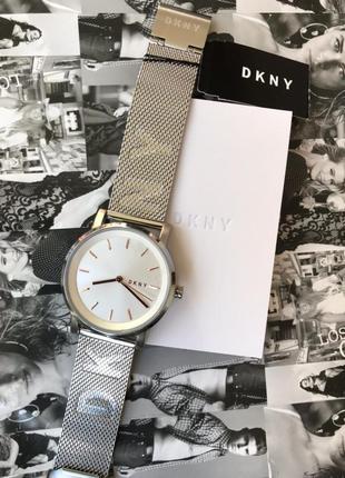 Новые часы dkny в фирменной коробке