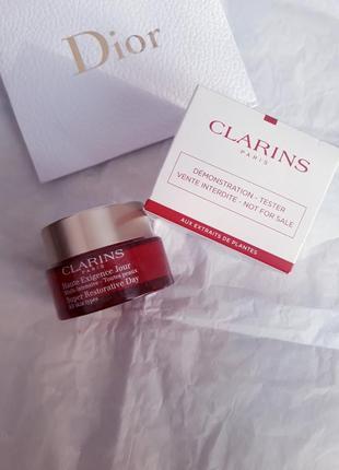 Восстанавливающий дневной крем для любого типа кожи multi-intensive  clarins