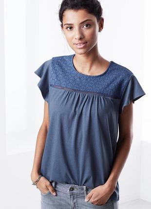 Модная футболка с вышивкой тcm чибо. s