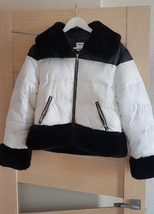 Куртка монохром с меховой баской, mayoral, xs-s