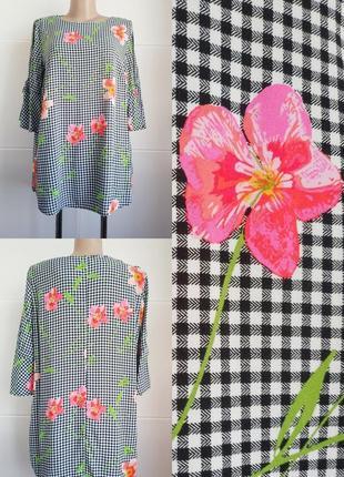 Стильная  блуза f&f  в клетку виши и принтом красивых цветов