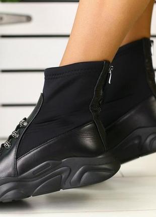Женские ботинки на толстой платформе