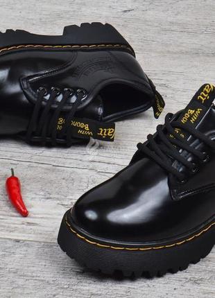 Туфли женские на платформе dr.martens style мартенсы стиль черные лакированные2 фото
