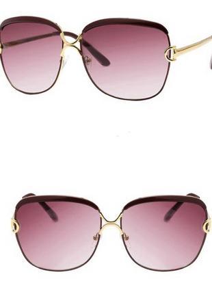 Солнцезащитные очки-бабочки с бровями и буквой d на дужках линза винный градиент
