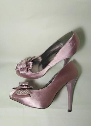 Шелковые туфли! ronzo текстить. 37 р.