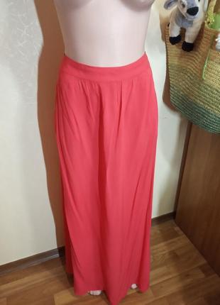 Яркая длинная юбка из тончайшей вискозы порадует вас от бренда new look