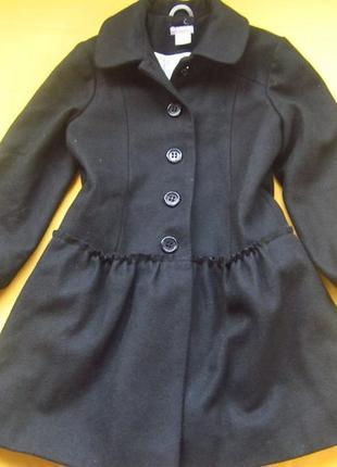 Фирменное детское пальто,отличное состояние