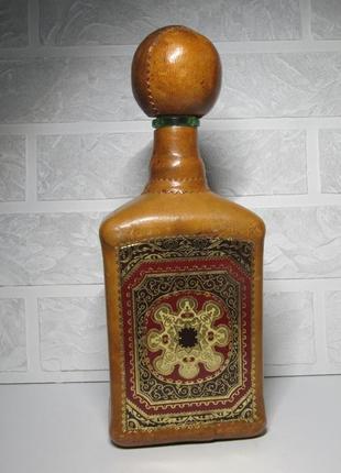 Винтажный графин обтянут кожей италия hand made