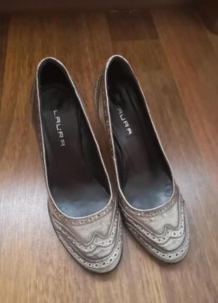 Красивые туфли 35