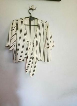 Стильная  блузка/топ с узлом