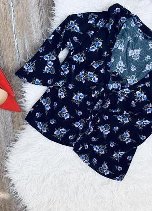 Стильная блуза со шнуровкой на груди от topshop в цветочный принт