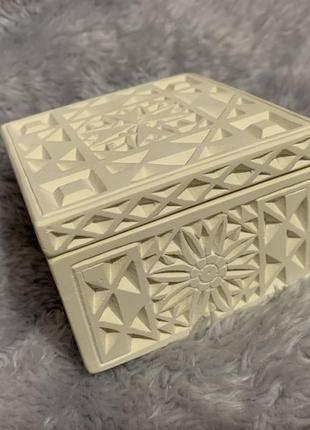 Маленькая керамическая шкатулка. мальта