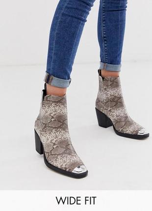 Казаки в принт с металлическим носком, ботинки в стиле вестерн на широком каблуке asos1 фото