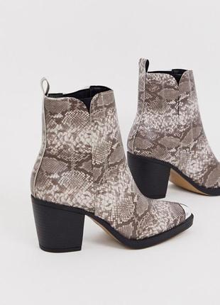 Казаки в принт с металлическим носком, ботинки в стиле вестерн на широком каблуке asos2 фото