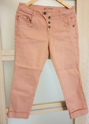Укорочені джинсові брючки з високою посадкою tom tailor