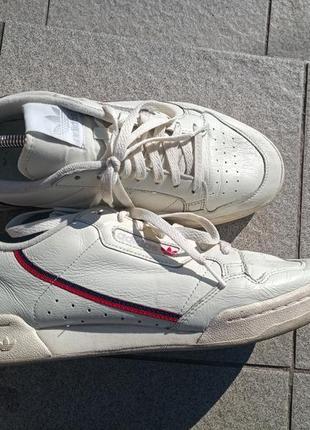 Качественные и стильные кожаные кроссовки adidas 45-46
