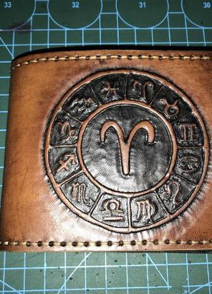 Овен кожаный мужской бумажник.