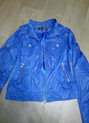 Укороченная стильная куртка