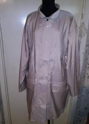Ветровка-куртка деми,молочно--бежевая,5 карманов,с подкладкой,большого14-18размера