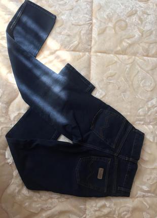 Брендовие джинси из италии,джинсы с высокой талией