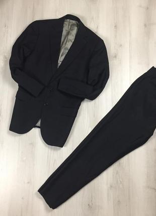 F9 костюм aquascutum чёрный